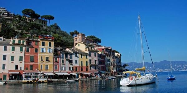 Die Hafeneinfahrt von Portofino