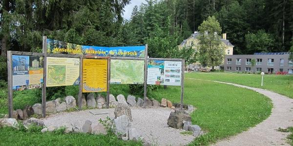 Die erste Station an Natur-Spuren Weg direkt bei der Villa Sonnwend