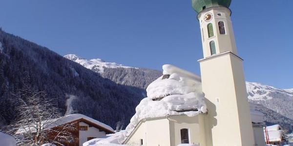 Blick auf Alpenhaus Silvretta