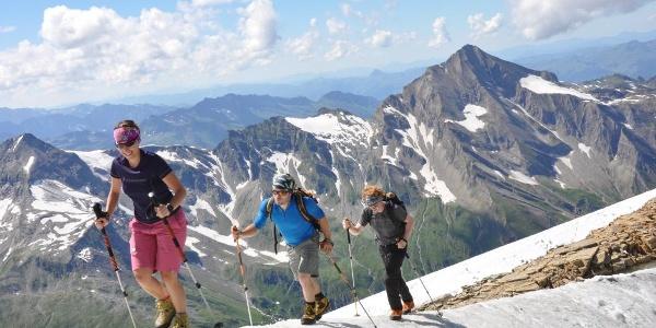 Aufstieg Richtung Wiesbachhorn auf dem Kaindlgrat Ab Juli oft eisfrei