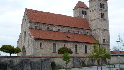 Die Romanische Basilika St. Michael in Altenstadt.