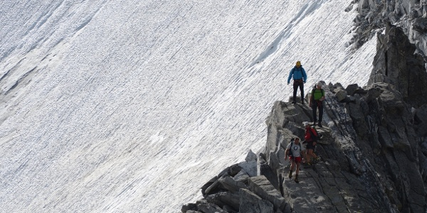 Alpines Ambiente am Rand der abschmelzenden Hochgall-Nordwand.