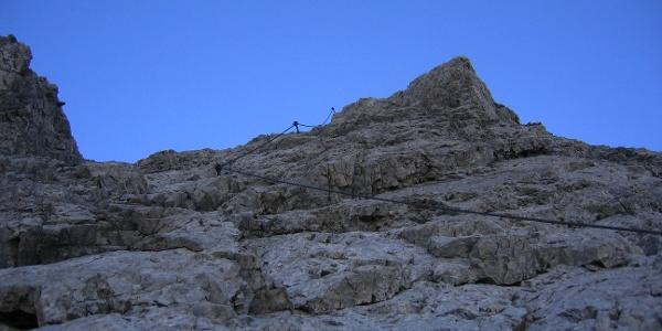 Die Abstiegswand im Arlberger Klettersteig.