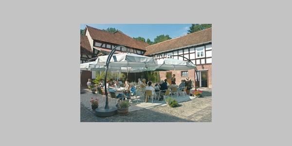 Café im Innenhof