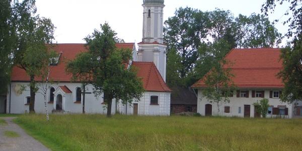 Die Riedkapelle am Benninger Ried bei Memmingen.