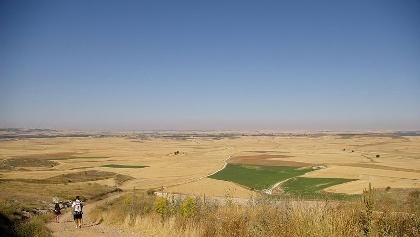 Die kargen Weiten der Meseta prägen den Jakobsweg zwischen Burgos und Leon.