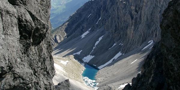 Hintere (östliche) Dremelscharte mit Blick zum Schlenkersee