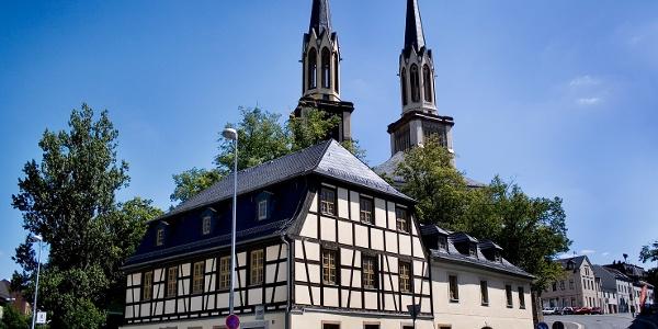 Zoephelsches Haus und St. Jakobi Kirche in Oelsnitz