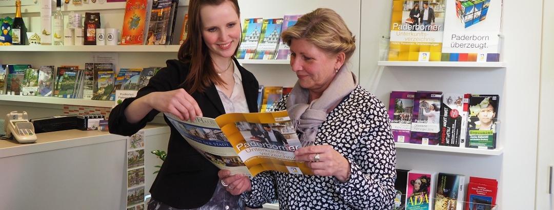 Innenansicht der Tourist Information Paderborn
