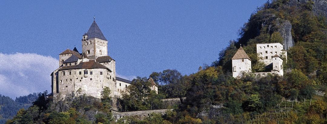 Trostburg oberhalb von Waidbruck