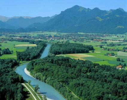 Blick auf die Tiroler Ache und das Achental