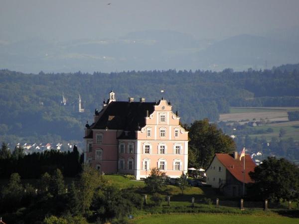 Blick auf Schloss Freudental