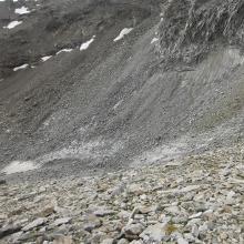 Madleinferner, Achtung Steinschlag