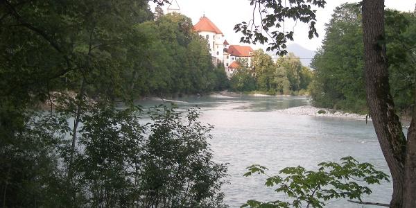 In Bad Faulenbach erreichen wir die Vils unterhalb des Lechfalls.