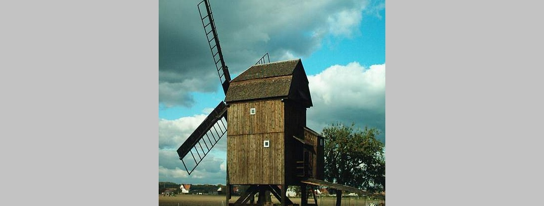 Die Trebbuser Bockwindmühle.