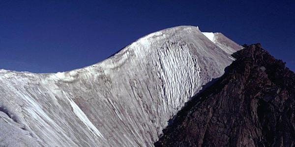 Blick zum Gipfelgrat des Fluchtkogel