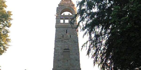 Am Berger Denkmal.