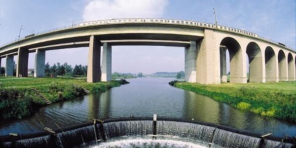 Obersee mit Viadukt