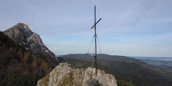 Gipfelkreuz Fuderheustein - Hochstaufen im Hintergrund