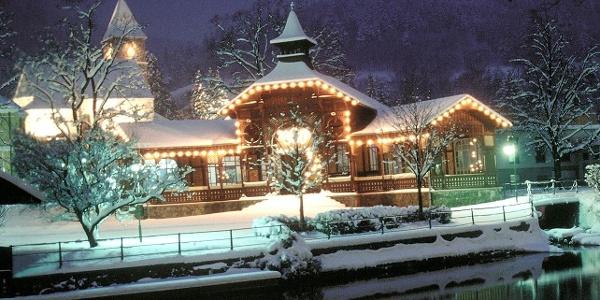 Payerbach- Der tief verschneite Pavillon