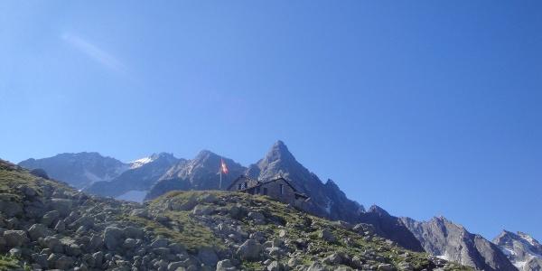 Albignahütte mit Punta Albingna