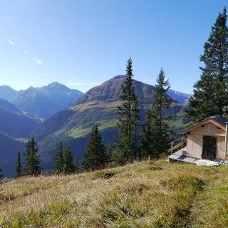 Kleine Jagdhütte auf der Sattelebene