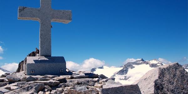Granitkreuz 3276m vor der Cresta della Croce