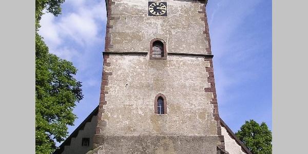 Kirchturm der Dasseler St. Laurentius-Kirche