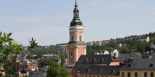 Blick auf die Stadtkirche St. Marien und das Untere Schloss Greiz