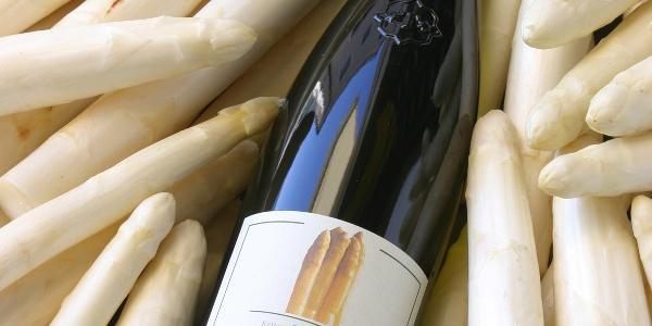 Terlan ist für seinen Wein und Spargel bekannt.