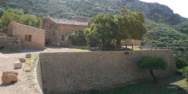 Las antiguas murallas del monasterio