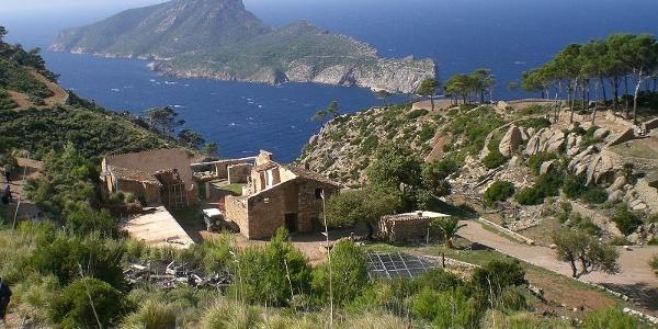Blick auf das Kloster und Sa Dragonera