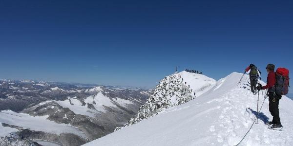 Auf dem Gipfelgrat des Großvenedigers