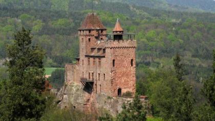 Burg Berwartstein - fotografiert von Kleinfrankreich aus.