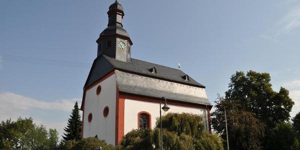 Die evangelische Kreuzkirche in Holzhausen an der Heide