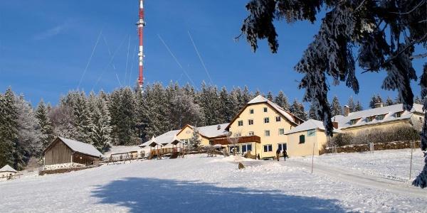 Giselahaus 885m und Sender