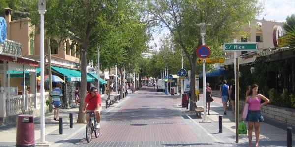At Peguera Bulevar