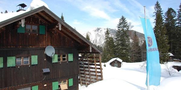 Vor der Buchsteinhütte.