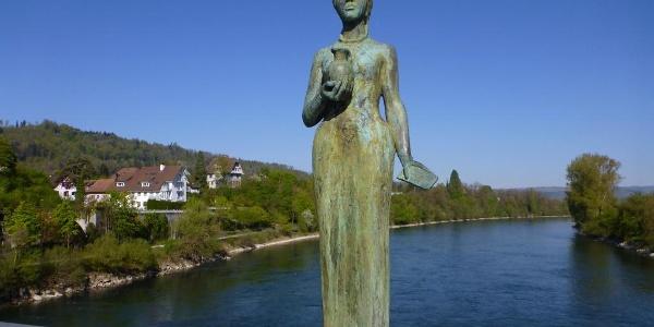 Plastik der Heiligen Verena auf der Rheinbrücke Zurzach–Rheinheim