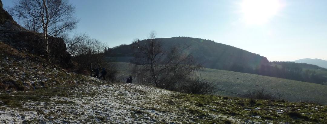 Blick vom Helfenstein auf den Hohen Dörnberg