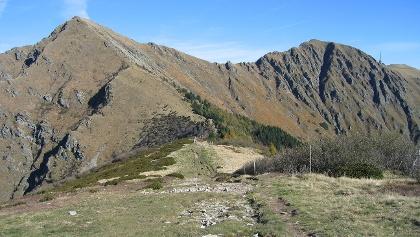 Blick von der Bassa di Indemini zu Monte Tamaro, Motto Rotondo und Marnera.