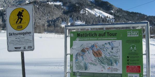 """Die Regeln sowohl für """"Skitourengehen auf Pisten"""" als auch für """"Natürlich auf Tour"""" sollten von uns selbstverständlich auch hier beachtet werden!"""
