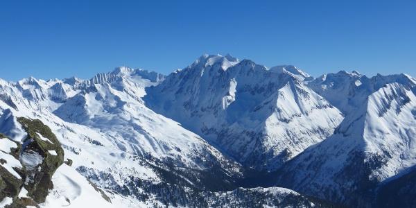 Der Panoramablick auf die Zillertaler Alpen