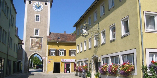 Mittertor Kelheim, eines von noch drei erhaltenen Stadttoren