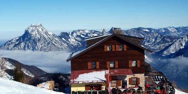Kranabeth-Hütte mit Traunstein