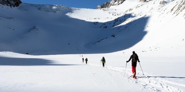 Die ebene Fläche bevor der Alpeiner Gletscher beginnt.