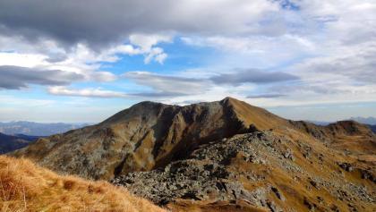 Blick zurück auf Schafsiedel und Aleitenspitze (rechts).