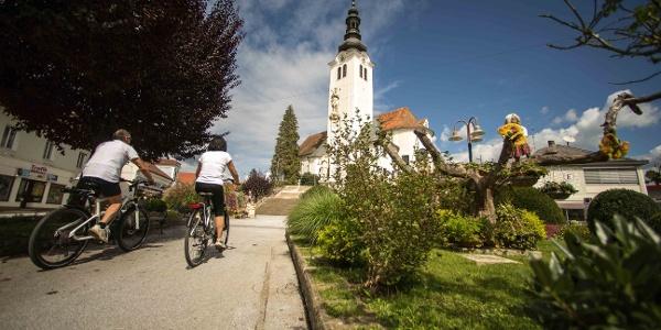 Blick auf die barockkirche von St. Ruprecht an der Raab