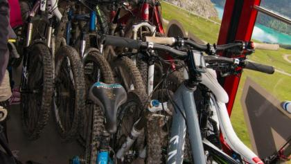 Bikes on the cablecar to Piz Nair