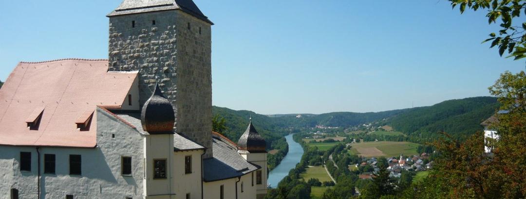 Burg Prunn mit Blick ins Altmühltal